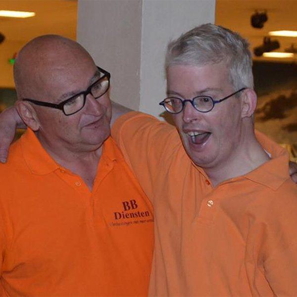 Begeleider Joop en speler Paul. Zonder elkaar is het een stuk minder leuk.